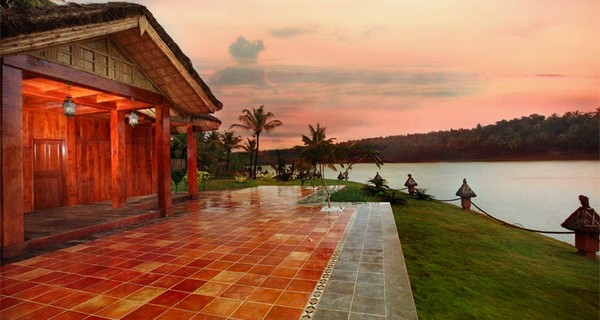 fragrant-nature-lake-resort-in-kollam