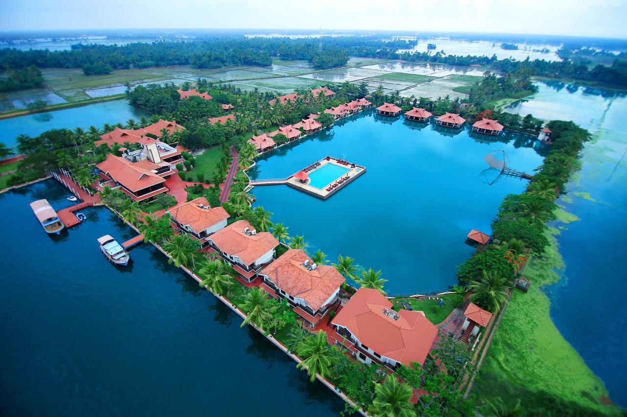 the-lake-palace-resort