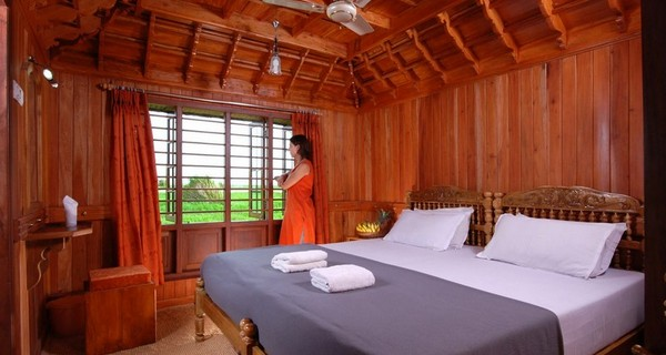 a-luxury-holiday-in-kerala-backwaters-here-is-your-ready-reckoner