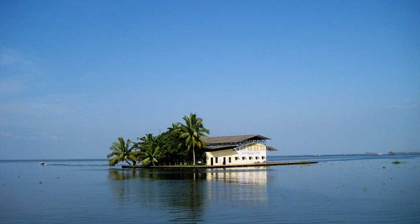 hills-and-backwaters-kerala-holiday-package
