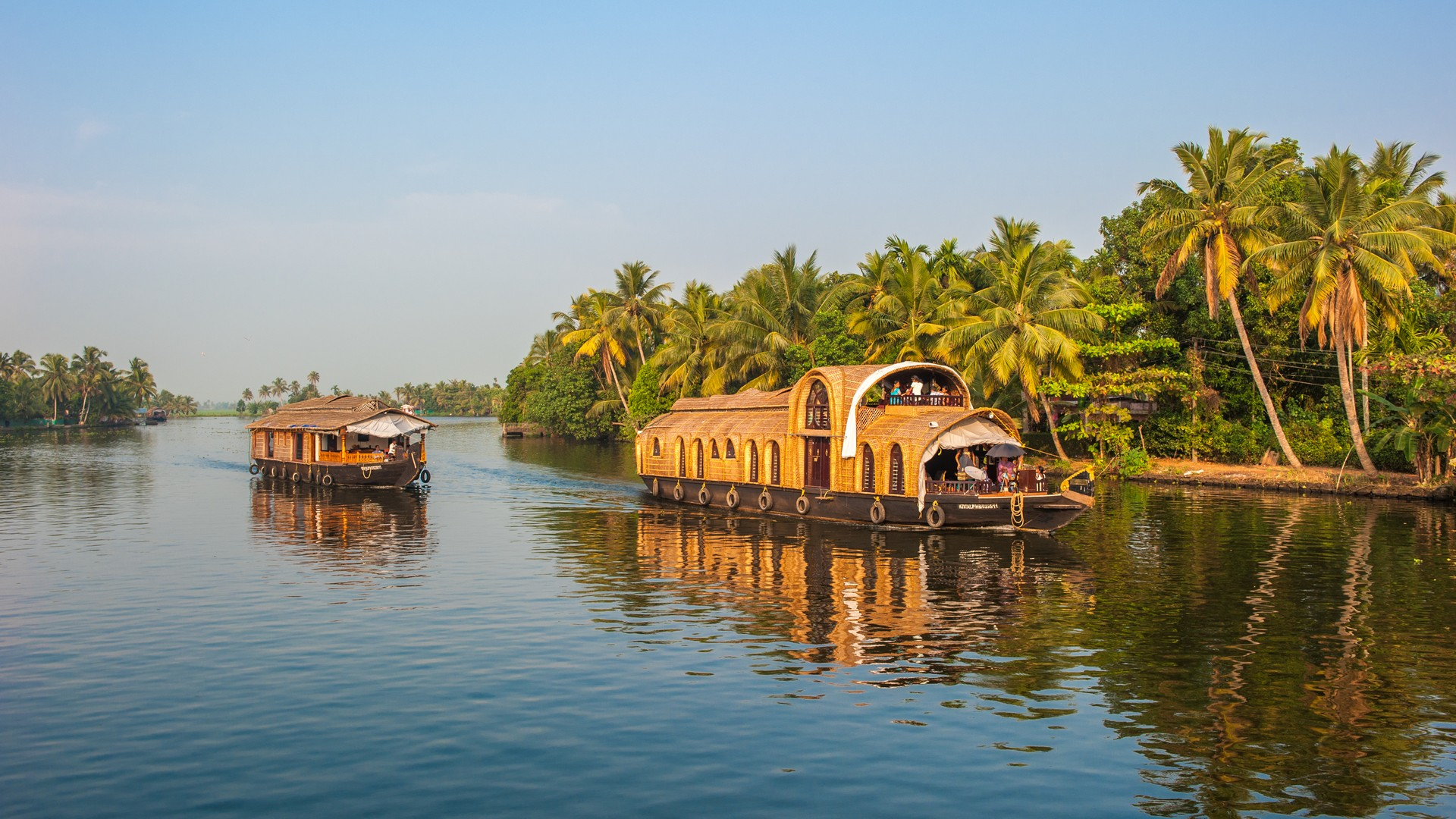 luxotic-escape-beach-and-backwaters-luxury-holiday