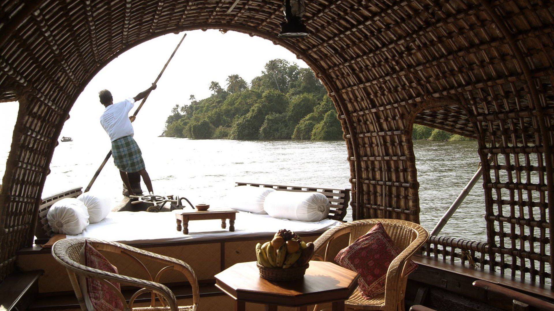 luxury-kerala-houseboat-package
