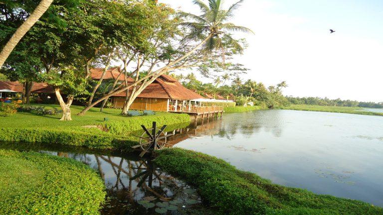 Best Luxury Honeymoon Resorts in Kerela